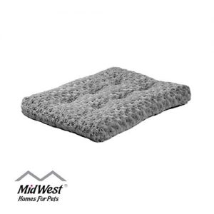 MidWest-Homes-for-Pets-Deluxe-Super-Plush-Pet-Beds-Machine-Wash-Dryer-Friendly-1-Year-Warranty-0 |